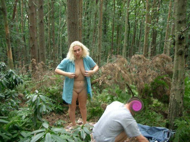 blondinka-otsosala-v-lesu