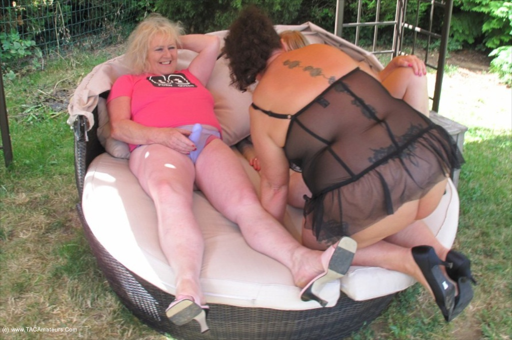 British milfs tracey lain and scarlet louise need to get off 5